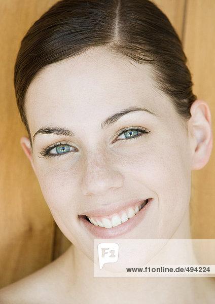 Gesicht einer jungen Frau  Nahaufnahme