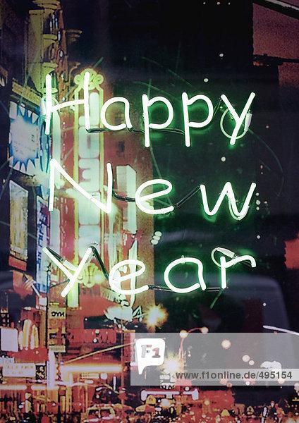 Happy New Year im Neonlicht  Stadtszene im Hintergrund