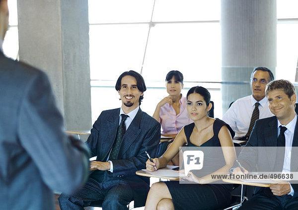 Geschäftsleute im Seminar