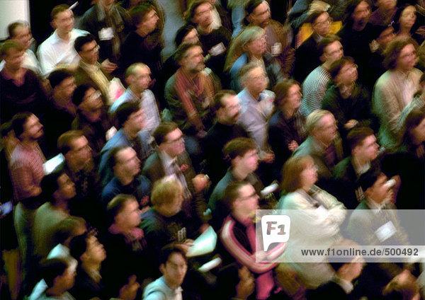 Menschenmenge  hoher Blickwinkel  defokussiert