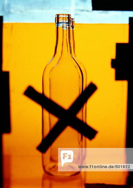 Flaschen mit x-Zeichen
