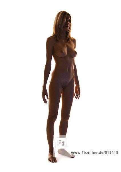 Frauenakt stehend  volle Länge