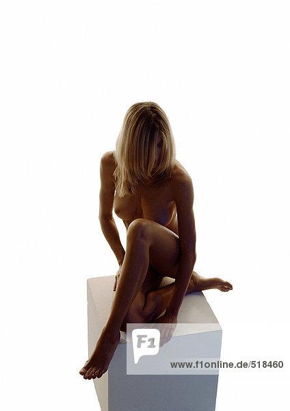 nackt madchen auf ihren knien nackt