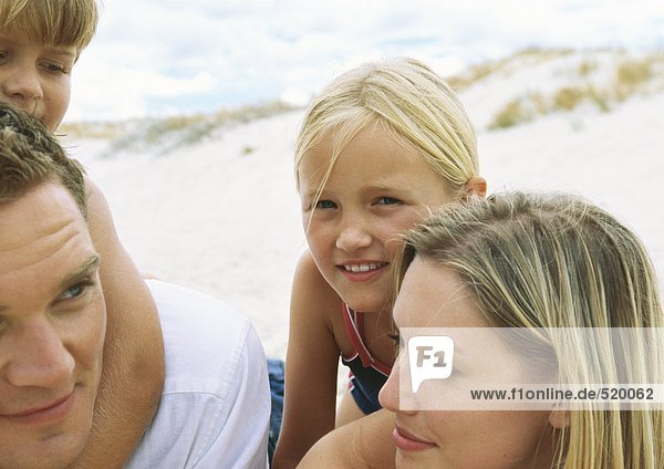Familie am Strand  Portrait