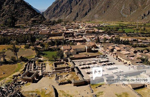 Alte Ruinen im Tal  Inka-Ruinen  Machu Picchu  Region Cusco  Peru