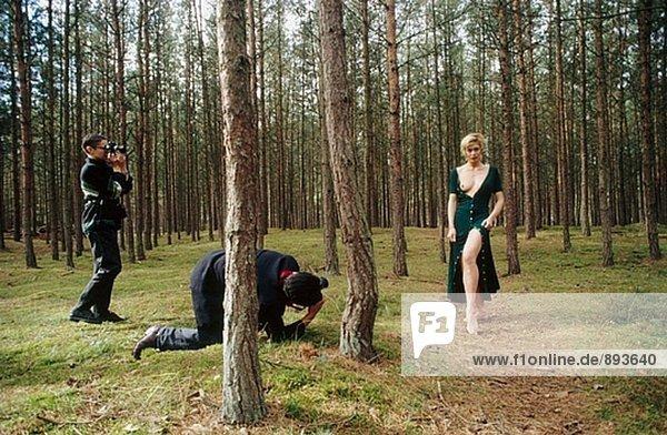 Frau und Fotografen