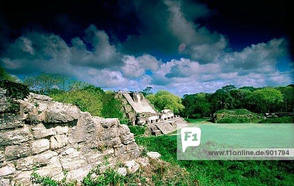 Mauerwerk Altäre. Maya Ruinen der Altun Ha. Belize