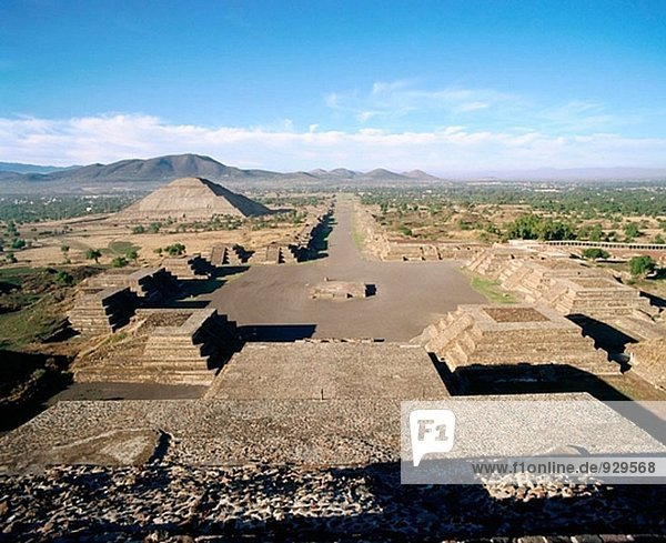 Pyramid of the Sun  ruins of the ancient pre-Aztec city of Teotihuacán. Mexico