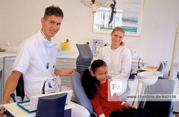 Zahnarzt und Patienten. Niederlande