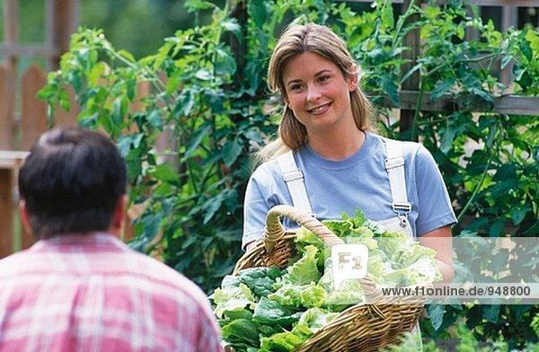 Frau Angeberei Korb der grünen