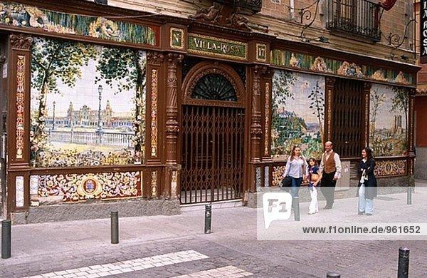 Madrid Hauptstadt bunt Fassade Hausfassade Kachel Spanien