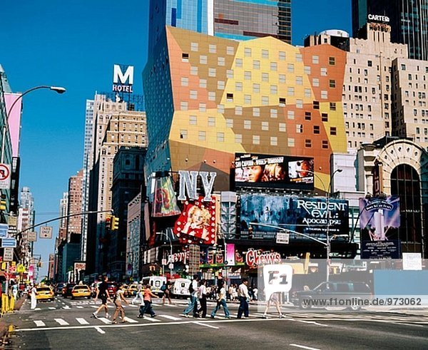 Eighth Avenue  Times Square Gegend. New York City  USA