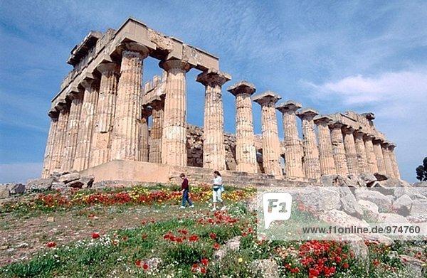 Italien. Sizilien. Selinunt. Ruinen des griechischen Tempels vom siebten Jahrhundert v. Chr.. Provinz Trapani.