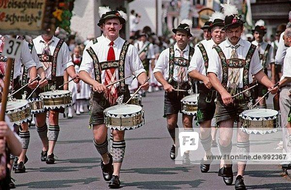Traditionelle Trachten Kleid, Garmisch. Bayern ...