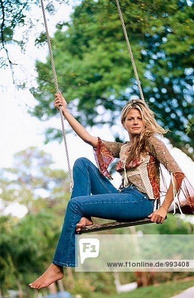Frau auf swing