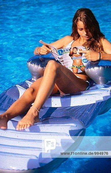 Frau Schwimmbad vorlesen