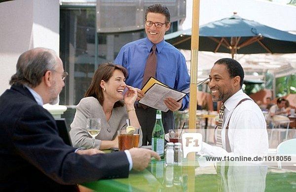 Geschäftsleute Mittagessen