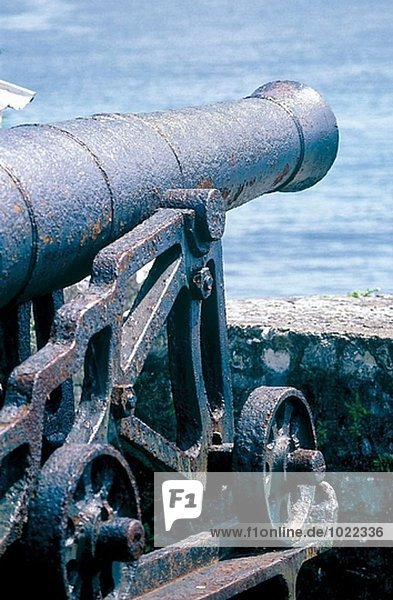 Alte Waffe auf Festung. Port Antonio. Jamaika
