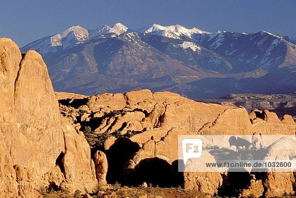 Fiery Ofen und La Sal Mountains. Arches Nationalpark. Utah. USA