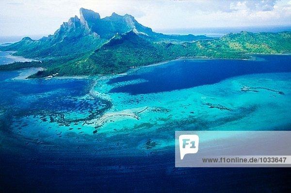 luftbild von bora bora island und lagune leeward inseln franz sisch polynesien. Black Bedroom Furniture Sets. Home Design Ideas