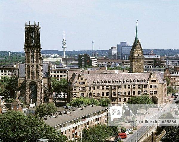 Deutschland  Duisburg  Ruhr Gebiet  Nordrhein-Westfalen  City View  Salvatorkirche  Rathaus