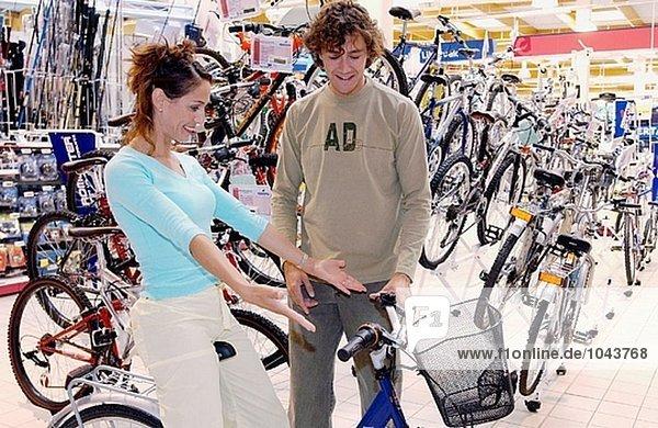 Kauf ein Fahrrad Einkaufszentrum