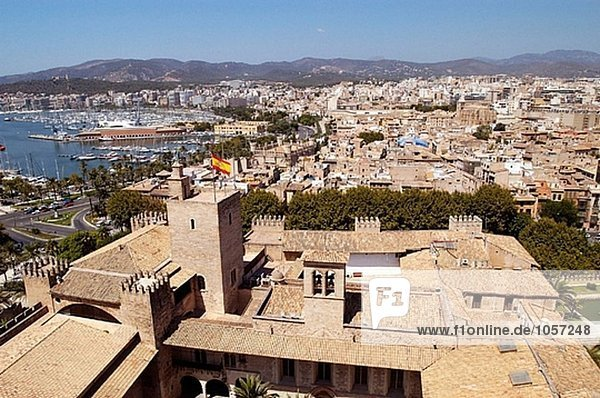 Ansicht der Waterfront von gotischen Kathedrale. Palma De Mallorca. Mallorca  Balearen. Spanien