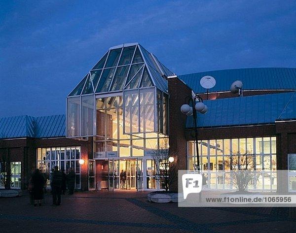 Deutschland  Bochum  Ruhrgebiet  Nordrhein-Westfalen  Musiktheater  Nacht  beleuchtet