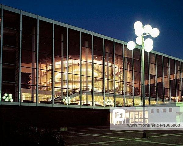 Deutschland,  Gelsenkirchen,  Ruhrgebiet,  Nordrhein-Westfalen,  Musiktheater in das Revier,  Nacht,  beleuchtet