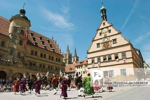 Traditioneller Tanz in Rothenburg Ob der Tauber. Mittelfranken  Bayern. Deutschland