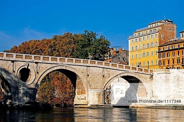 Ponte Sisto am Fluss Tiber. Rom  Italien