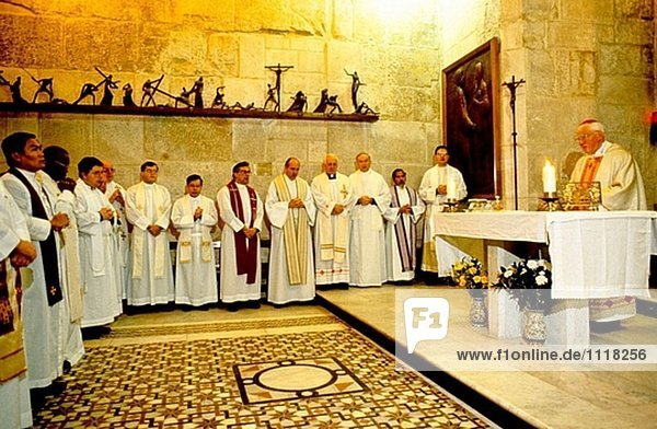 Katholische Masse in einer Kapelle der Kirche des Heiligen Grabes  Jerusalem. Israel