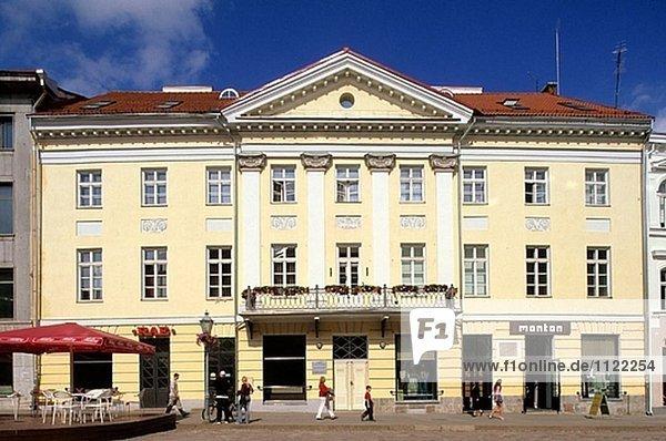 Gebäude Halle Stadt Quadrat Quadrate quadratisch quadratisches quadratischer Verkäufer Tartu County Estland