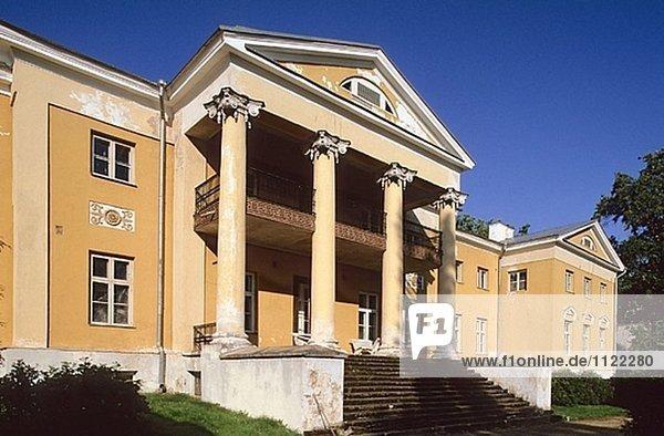 Palace. Räpina. Estland.