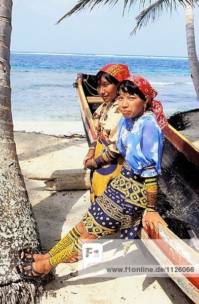 Kuna Indianer in Mamardup Village  Rio Sidra Inseln  San Blas-Archipel. Panama