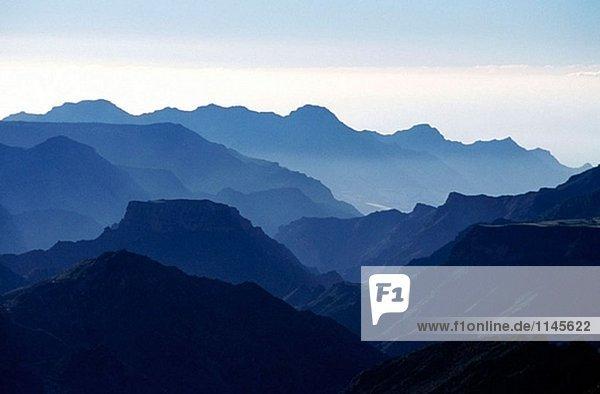 Blue Mountains am Abend  in der Nähe von Tejeda Dorf. Ländliche Park der Roque Nublo. Südlich der Insel Gran Canaria. Kanarischen Inseln. Spanien