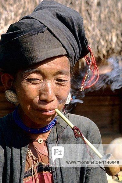 Days Inn Shan Tribeswoman. Kengtung. Shan-Staat. Myanmar.