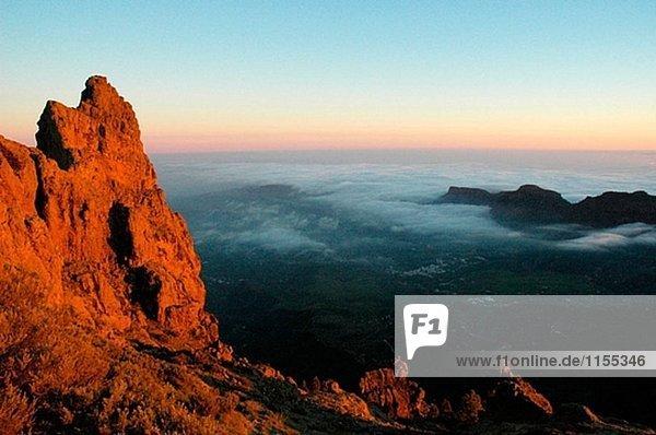 Meer der Wolken von Pico de Las Nieves gesehen. Cumbres Region. Gran Canaria. Kanarischen Inseln. Spanien