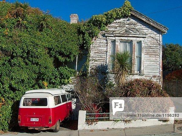 Kleintransporter Wohnhaus baufällig alt Lieferwagen VW Kleintransporter,Wohnhaus,baufällig,alt,Lieferwagen,VW