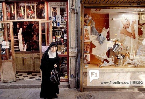 Shopping in Granada. Andalusien. Spanien.