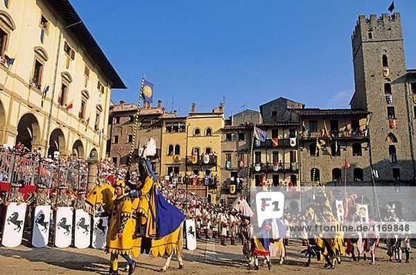 Giostra del Saracino (Joust von den Sarazenen) jährliche mittelalterliches fest  Arezzo. Toskana  Italien