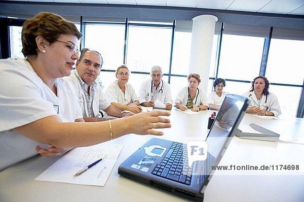 Medizinisches Personal treffen. Hospital Universitario Gran Canaria Arzt Negrin  Las Palmas de Gran Canaria. Kanarische Inseln  Spanien