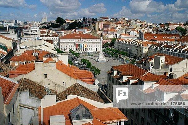 D. Maria II Nationaltheater in Praça D. Pedro IV (aka Rossio Platz). Luftbild. Lissabon. Portugal