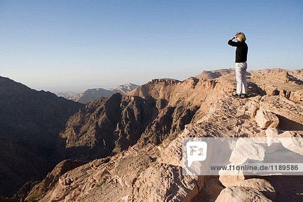 Übersicht von der Deir-Website. Petra Nabatean Website. Königreich Jordanien