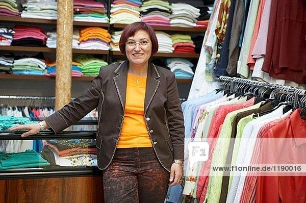 Bekleidungsgeschäft. Retail. Elgoibar  Bizkaia  Baskenland. Spanien.