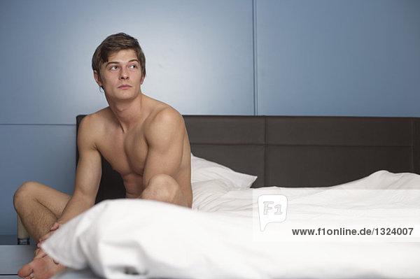 Schlafzimmerkamera Filmt Amateure Fickend Auf Bett