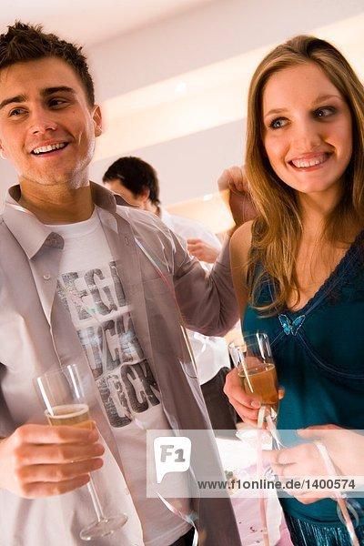 Paar auf party