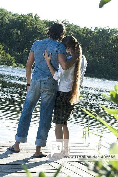 Paar auf lake