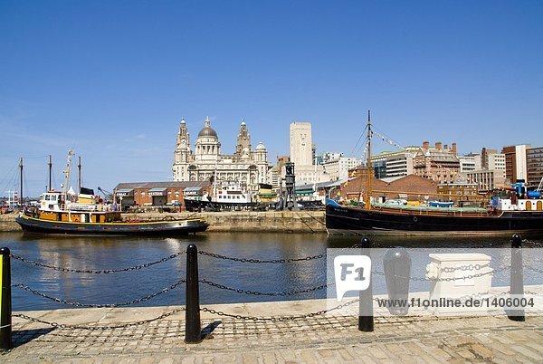 Gebäude in Harbor  Cunard Building  Royal Liver Building  Port Of Liverpool Building  Fluss Mersey  Liverpool  Merseyside  Nordwestengland  England