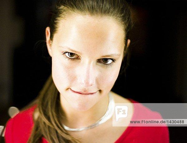 Gesichtsportrait einer jungen Frau